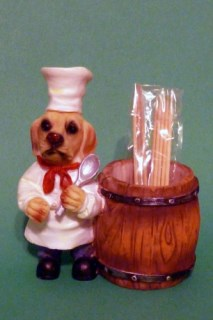 Labrador Retriever Kitchen Chef Toothpick Holder Figurine (Yellow)